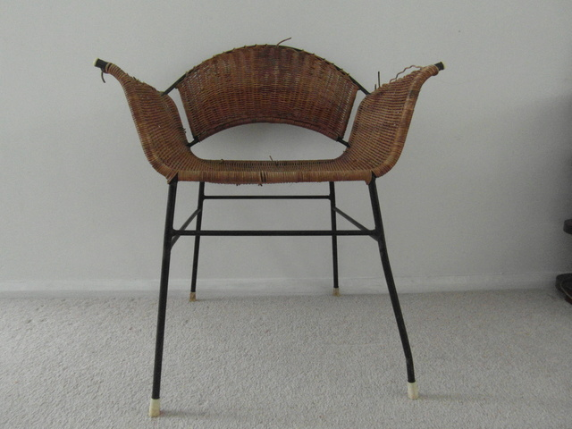 60s Wicker metal frame winged chair Sam_8619