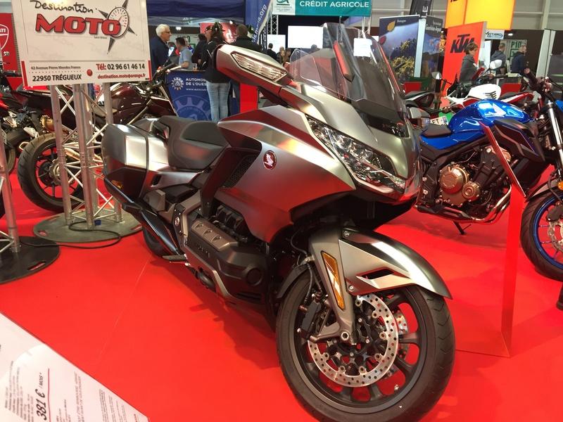 «La moto fait son show en Bretagne» 34dd2510