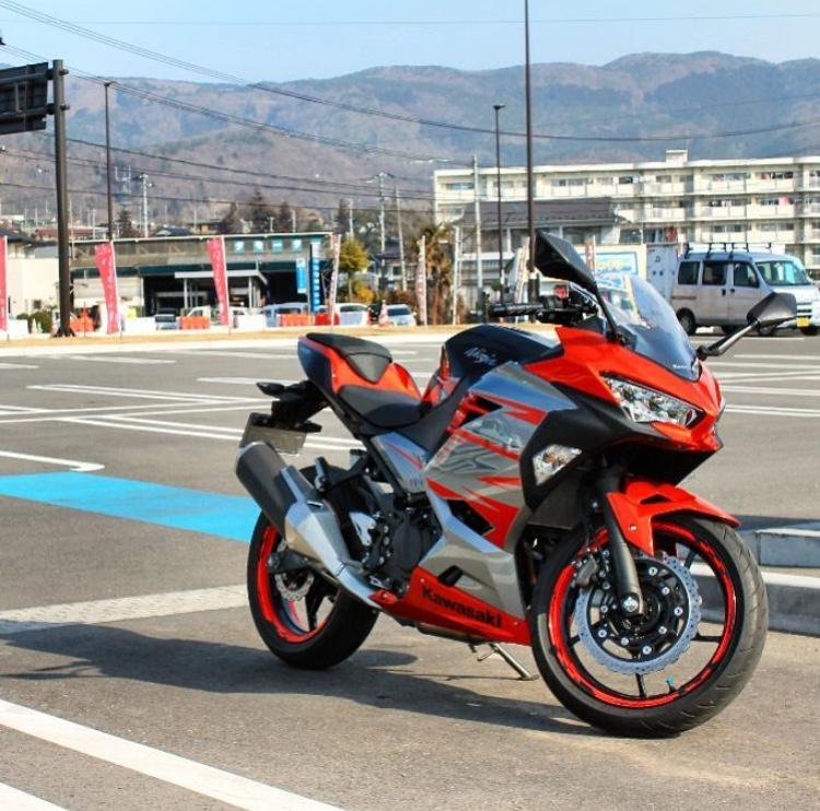 La Ninja 400 en photos - Page 2 5122b210