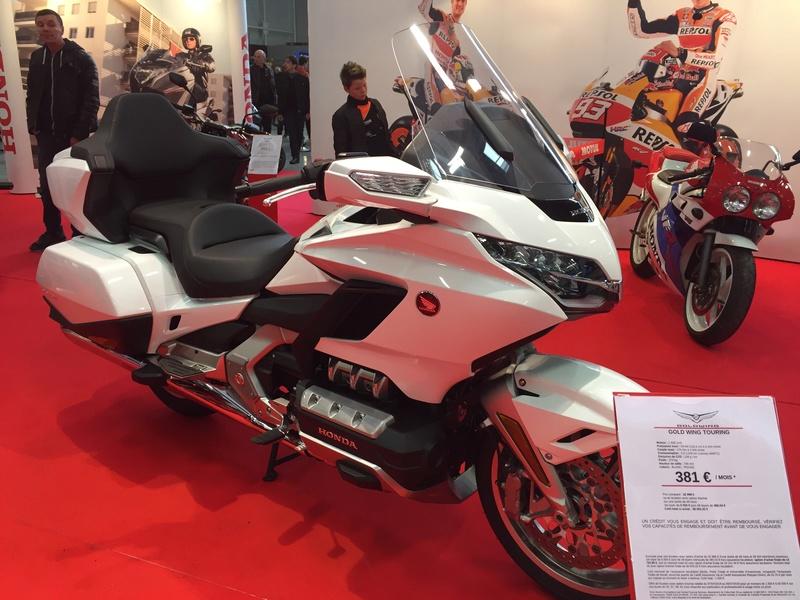 «La moto fait son show en Bretagne» 592c9810