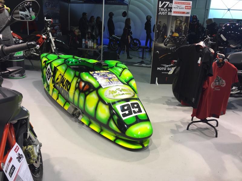«La moto fait son show en Bretagne» 61b44110