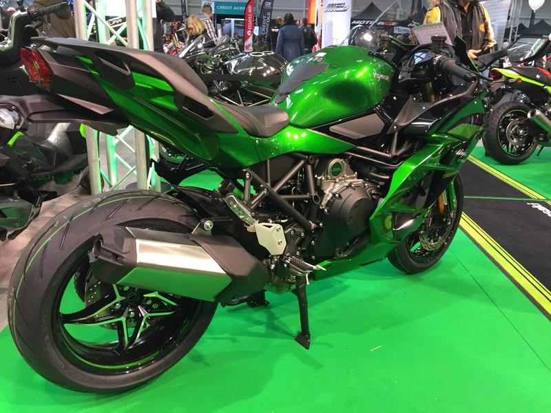 «La moto fait son show en Bretagne» 8f925d10