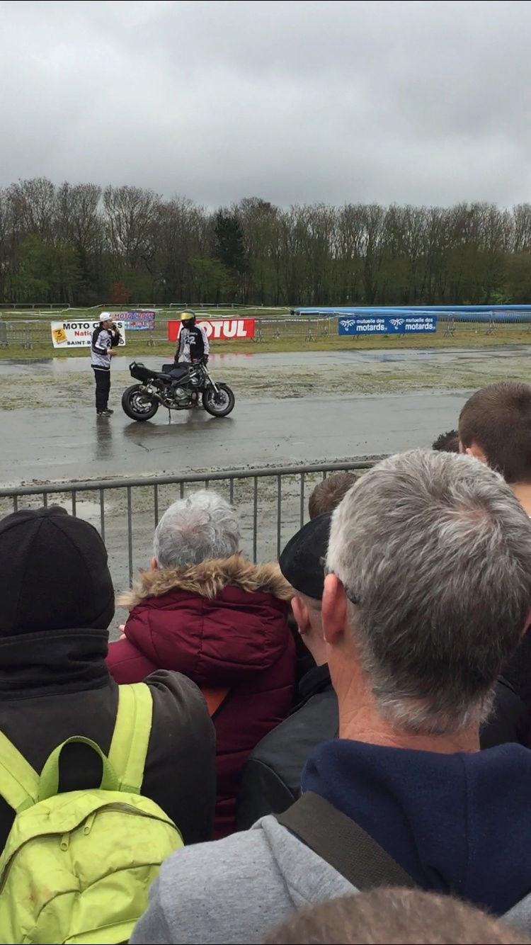 «La moto fait son show en Bretagne» 9e8f9410