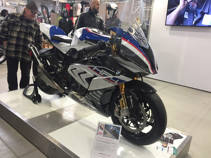 «La moto fait son show en Bretagne» A4705e10
