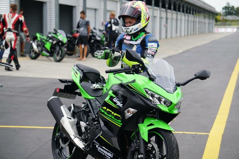 La Ninja 400 en photos Ba637e10