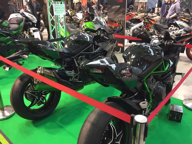 «La moto fait son show en Bretagne» Bd6f8f10