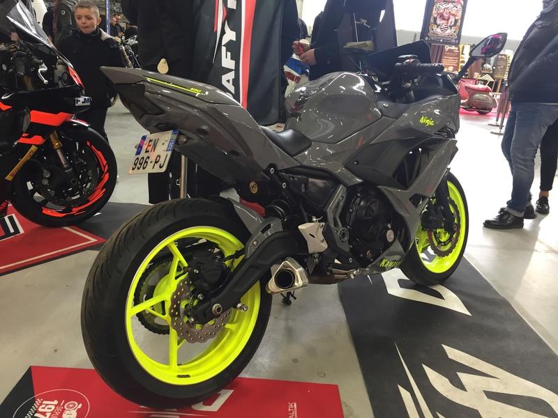 «La moto fait son show en Bretagne» Eee54810
