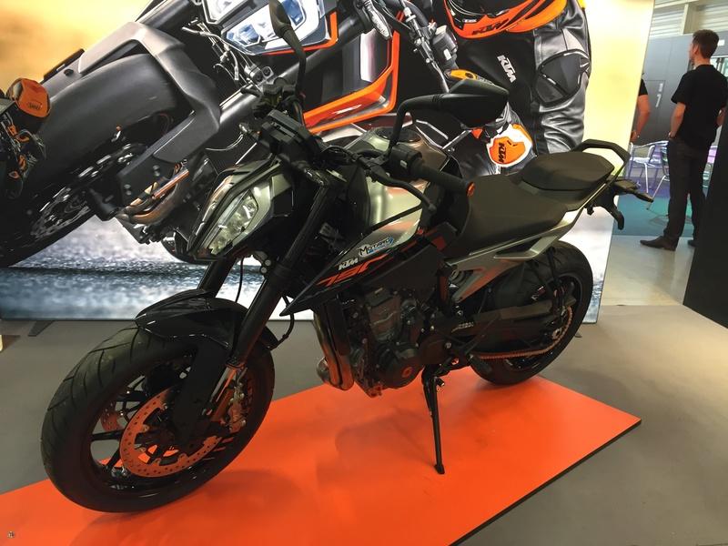 «La moto fait son show en Bretagne» Ef882610