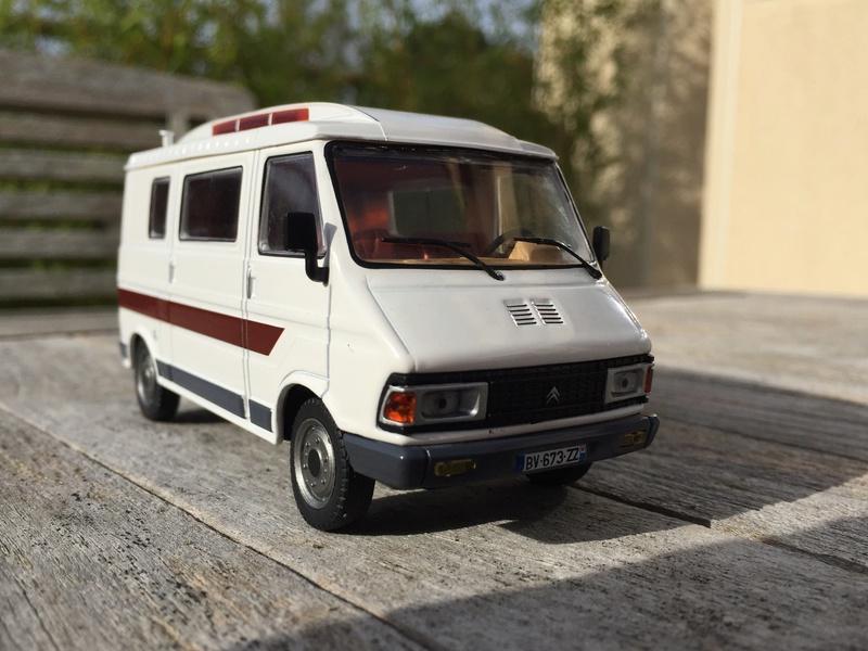 s rie hachette collections sur les camping car page 4. Black Bedroom Furniture Sets. Home Design Ideas
