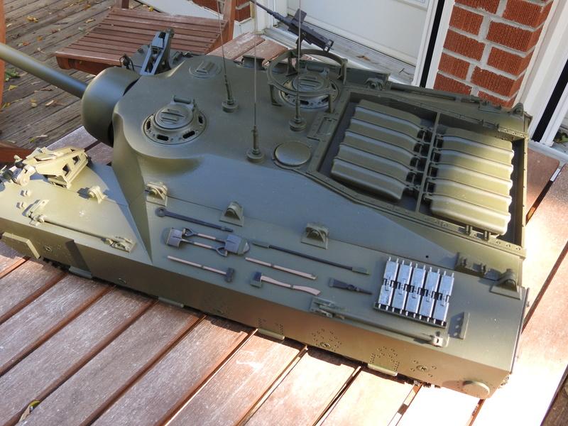 OKMO 1/16 T28/95 GMC RC tank  Dscn2310