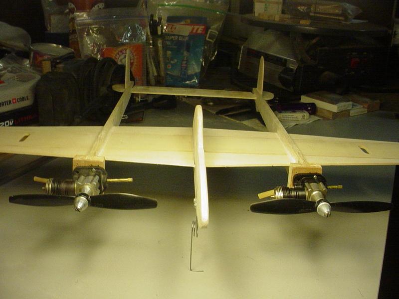 P-38 Lightning-Roddie style..  - Page 3 Dsc05260
