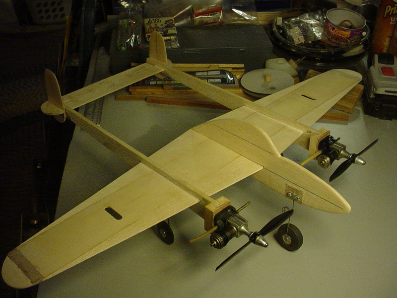 P-38 Lightning-Roddie style..  - Page 4 Dsc05261