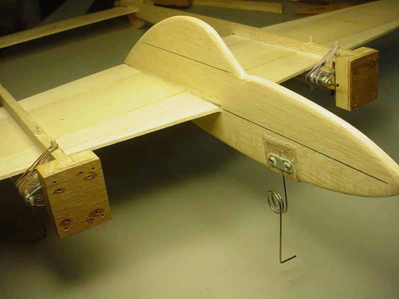 P-38 Lightning-Roddie style..  - Page 3 Dsc05315