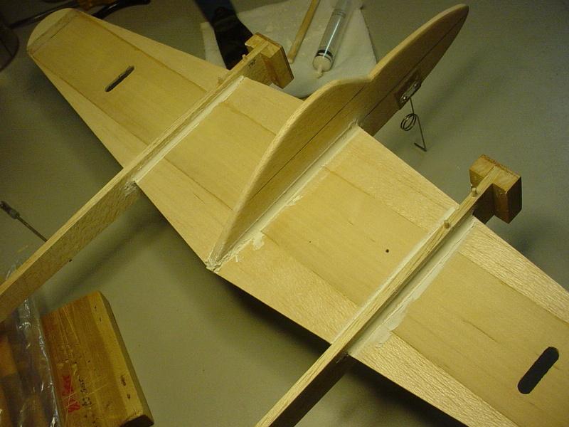 P-38 Lightning-Roddie style..  - Page 3 Dsc05322