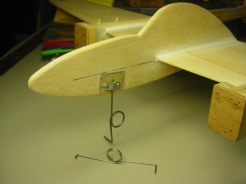 P-38 Lightning-Roddie style..  - Page 5 Dsc05343