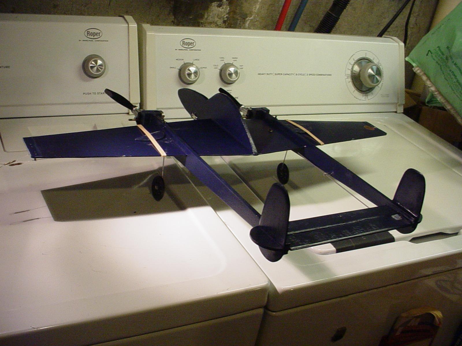 P-38 Lightning-Roddie style..  - Page 8 Dsc05828