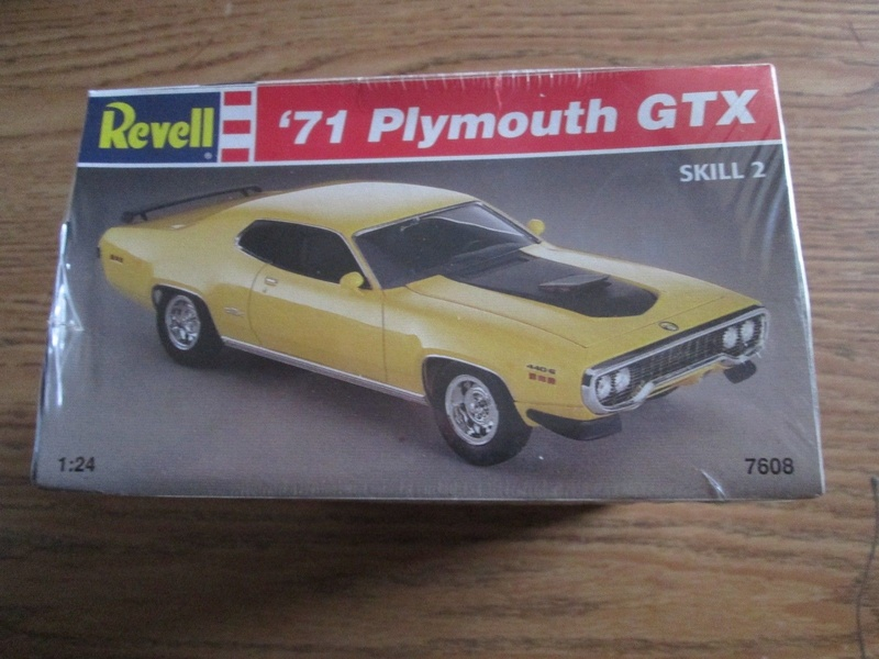GB 2018 1971 HEMI Road Runner Monogram 1/24 S-l16012