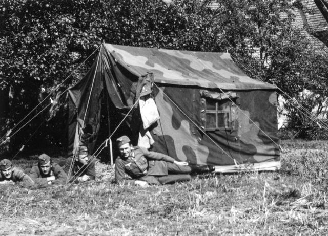 Tente allemande : Das Große Stabszelt A4426410