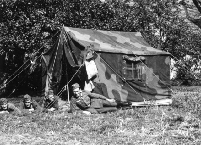 Tente allemande : Das Große Stabszelt Image112