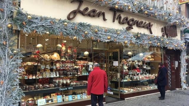 #TMCweb3 : La chocolaterie #Trogneux d'#Amiens ne veut plus être le souffre-douleur des anti-#Macron B9717710