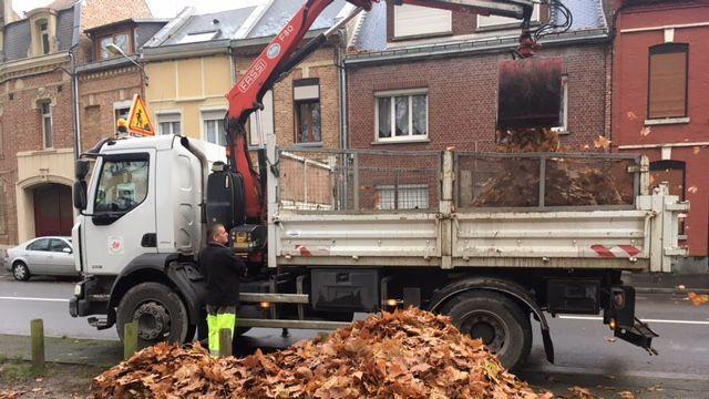 #TMCweb3 : #COP24 - L'usine de #méthanisation d'#Amiens alimentée par les feuilles mortes Img_1010