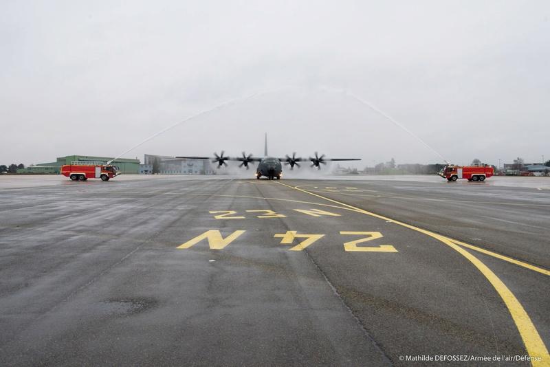 un petit nouveau pour l'armée de l'air 25587110