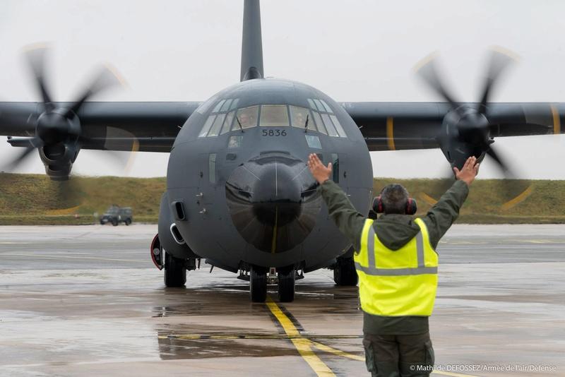 un petit nouveau pour l'armée de l'air 25626310