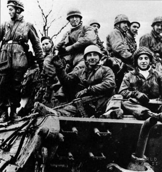 Jagdpanther, Fallschirmjäger et décor perso (Dragon 1/35) Ddsuiw10