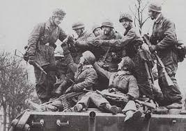 Jagdpanther, Fallschirmjäger et décor perso (Dragon 1/35) Images10