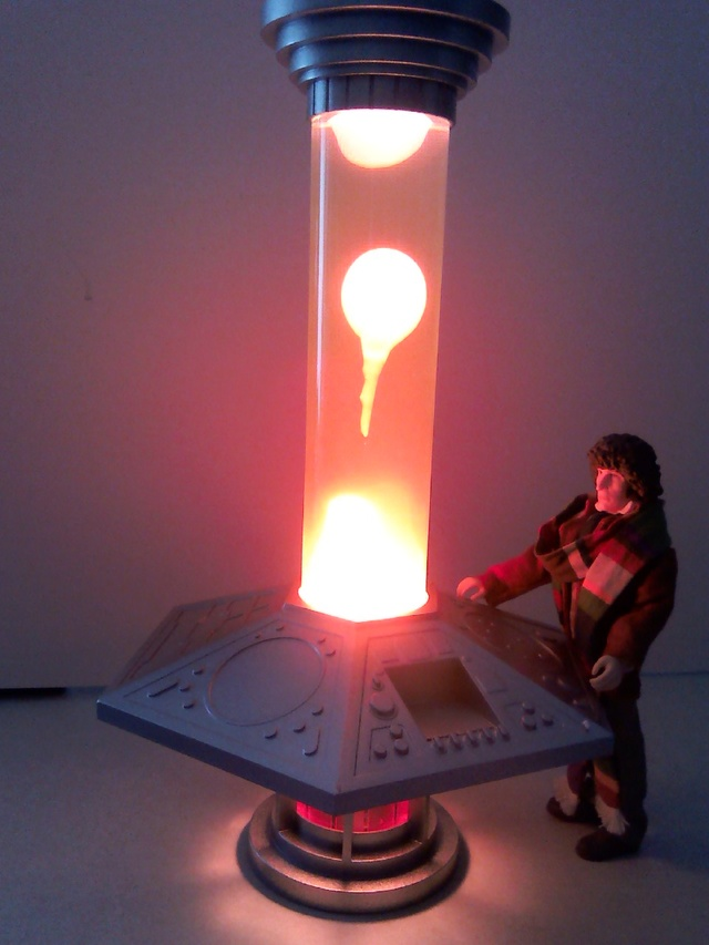 TARDIS console lava lamp 18012910