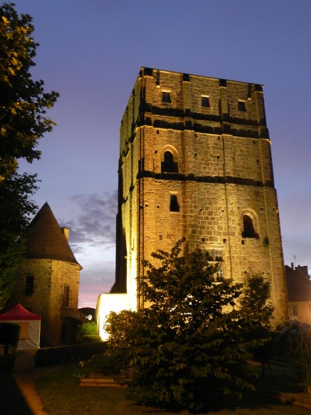 Huriel (Allier) 2 & 3 juin Donjon11