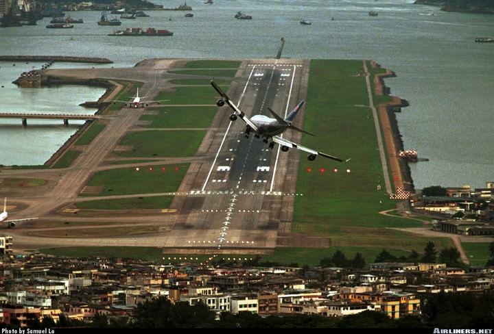 Aéroports dangereux - vol N°14 210