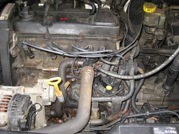 [ VW Golf IV cabriolet 1.6 ess an 2000 ] Problème de démarrage (résolu)  Img_0010
