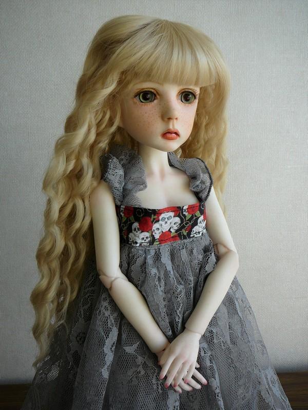 Mari, petite fille triste (Dollstown) 02_min11