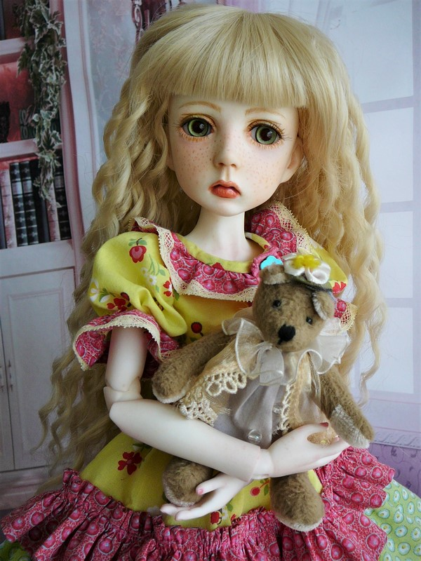 Mari, petite fille triste (Dollstown) 13_min10
