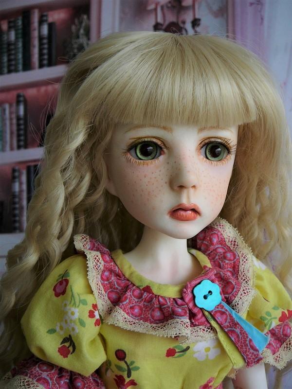 Mari, petite fille triste (Dollstown) 19_min10
