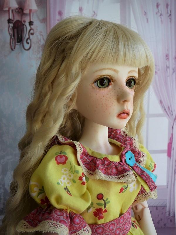 Mari, petite fille triste (Dollstown) 21_min10