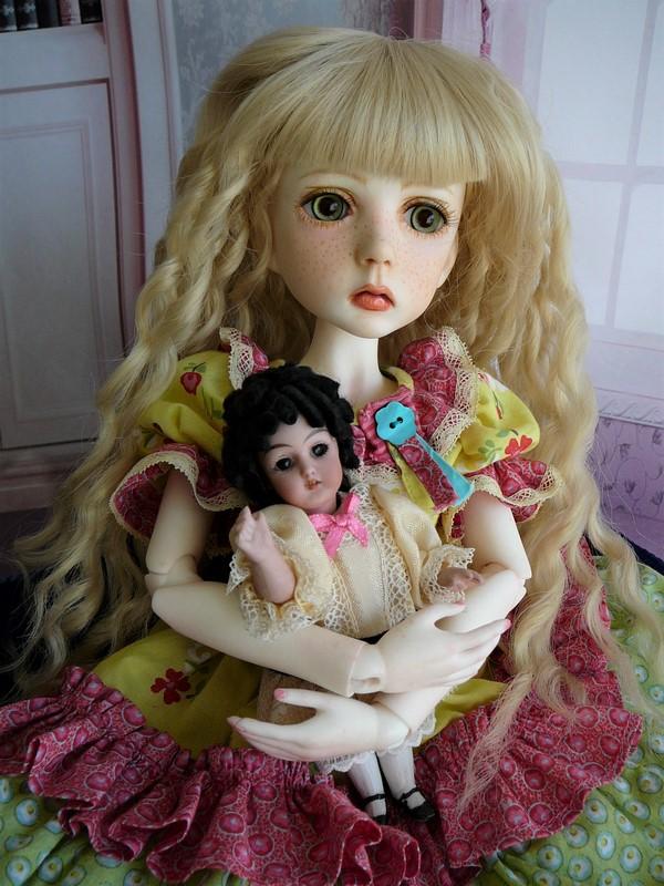 Mari, petite fille triste (Dollstown) 23_min11