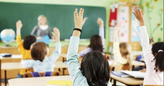 تنويع أساليب الاتصال والمشاركة والتفاعل مع التلاميذ 2145