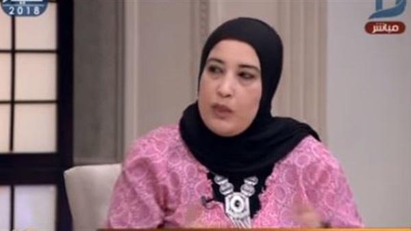 """منى أبو غالي: وزير التعليم """"مش عايش على ارض الواقع"""" 68610"""