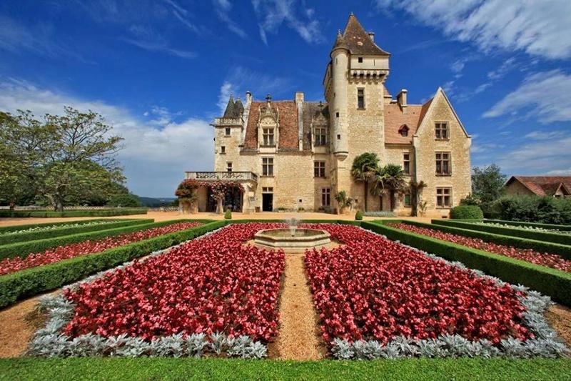 Les milandes , le chateau de Josephine Baker 22090010