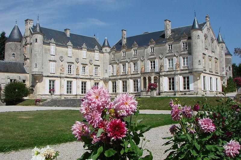 Les Chateaux Français 800px-13