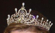 bijoux anciennes Queen_11