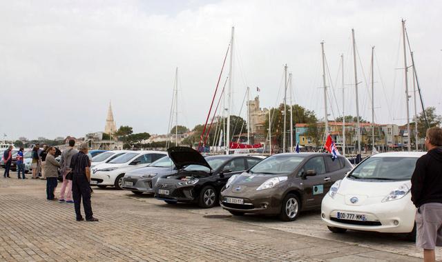 Rassemblement de VE à La Rochelle le 15/10 - Page 3 Img_0812