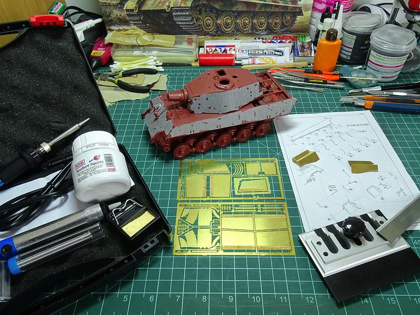 Sd.Kfz. 182 King Tiger (turret Henschel) MENG 1/35° + Full interior et Zim MENG + P.E Eduard + tube Aber [Terminé] King_t49