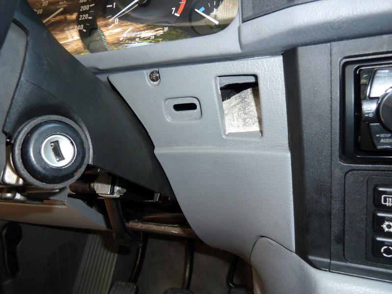 demontage console centrale entre sièges P1040610