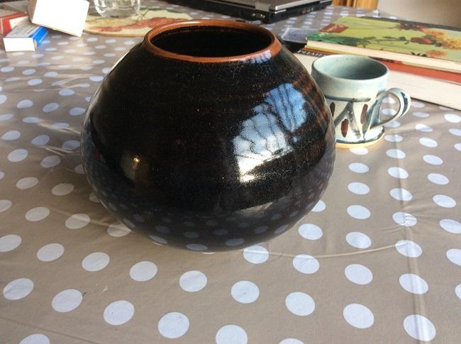 ID studio pottery mark Img_1611