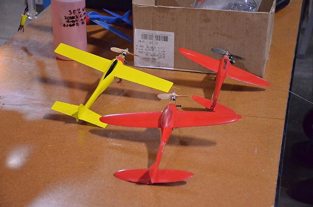 Cox .01 /.02 /.05 /.09 /.15 Speed Planes  - Page 4 Indoor10