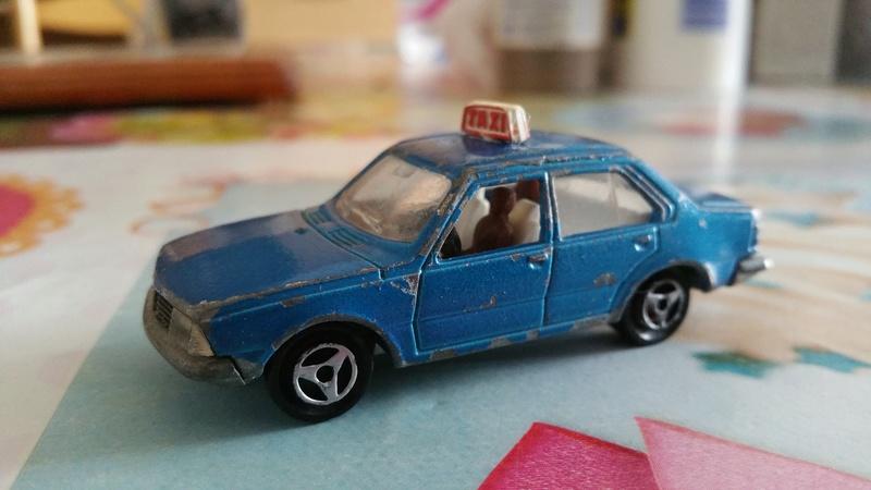 Renault 18 taxi bleu  20180219