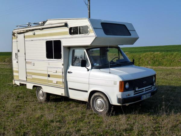 N°224 FOURGON CAMPING CAR  Ford-t10